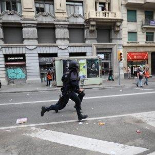 Càrregues Via Laietana manifestació estudiants - Pau Venteo