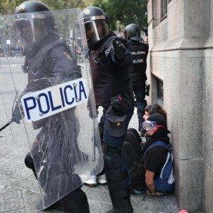 policia via laietana pau venteo
