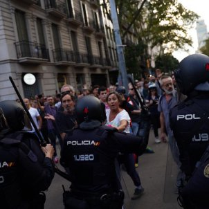 plaça urquinaona policia manifestants el nacional guillem camós