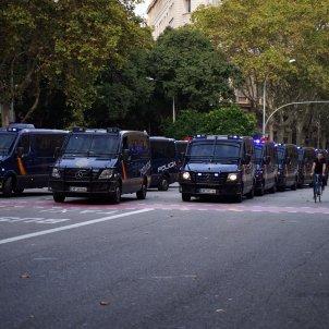 furgons policia espanyola el nacional guillem camós