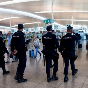 policies espanyols aeroport del prat - Efe
