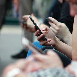 mobil -  unsplash