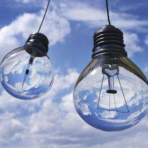 bombeta llum energia electricitat pixabay