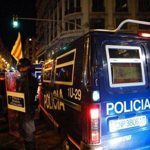 ELNACIONAL manifestació Via Laietana Policia Nacional bandera espanyola 26 O Sergi Alcàzar