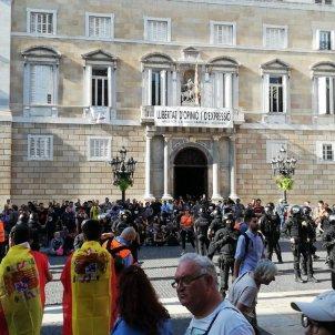PLAÇA SANT JAUME TENSIO ESPANYOLISTES INDEPES   MARC GONZALEZ