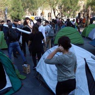 acampada plaça universitat acn