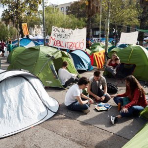 Acampada plaça Universitat EFE