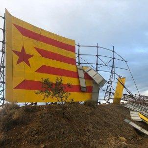 Cartell Fem República Mural Bellpuig destrossada ultres Europa Press