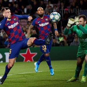 Lenglet Arturo Vidal Barca Slavia Praga Champions EFE