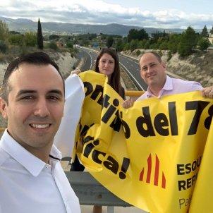VOX retira pancarta independentista Alacant @AnaVegaVOX