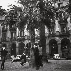 Plaça Reial Theros AFB / Josep Postius Saura Ed. Albertí