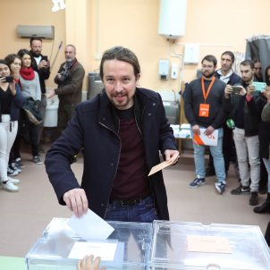 Pablo Iglesias votant eleccions 10N UP EFE