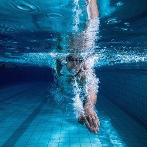 fluidra piscina nedar nedador FLUIDRA