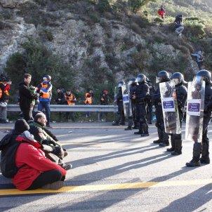 tall Jonquera Tsunami manifestants Mossos   Mireia Comas