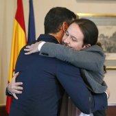 Iglesias Sanchez acord abraçada - Efe