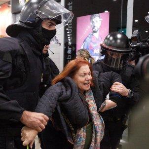 Manifestants estació Sants CDR   Mireia Comas