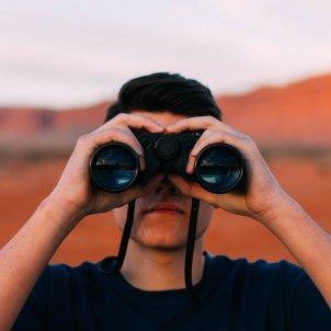 Binoculars (Pixabay)