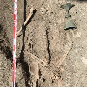 03. excavacions Castell Besora Calze i enterrament. ATICS SL (1)