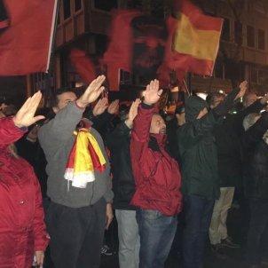 EuropaPress 2507431 Manifestación de La Falange frente a la casa de Primo de Rivera