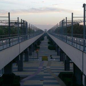 Zona franca metro viaducte Daaioo Viquipèdia CC BY SA 4.0
