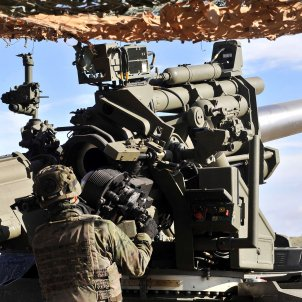 maniobres militars brigada paracaidista efe