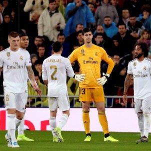 Courtois Marcelo Carvajal Reial Madrid trist PSG Champions EFE