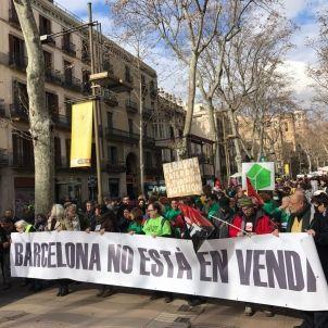 Manifa contra turisme Ferran Vila