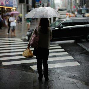 Mujer lluvia Unsplash