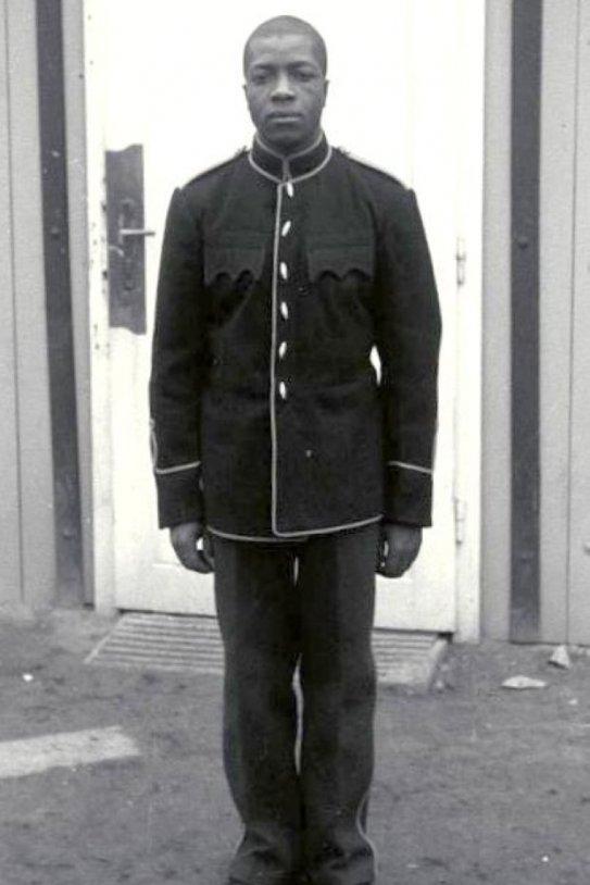Bundesarchiv Bild 192 059, KZ Mauthausen, Häftling Carlos Greykey (cropped)