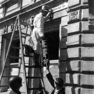 desnazificacio canvi nom carrer amnesicos wikimedia