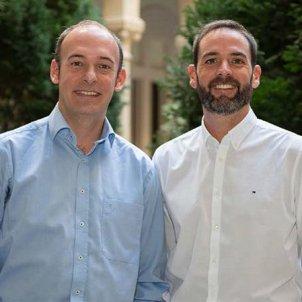 Aleix Prat, a l'esquerra, i Joaquín Gavilá, investigadors principals de l'estudi Coralleen, en una imatge difosa l'11 de desembre del 2019 acn