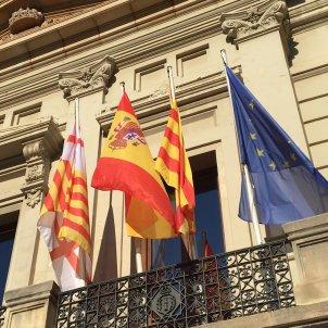 bandera espanyola seu districte corts
