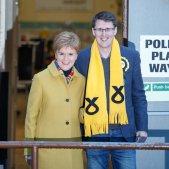 Nicola Sturgeon i el candidat de Glasgow EFE