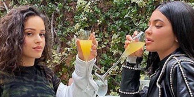 Rosalía y Kylie Jenner encienden las redes con su 'brunch'