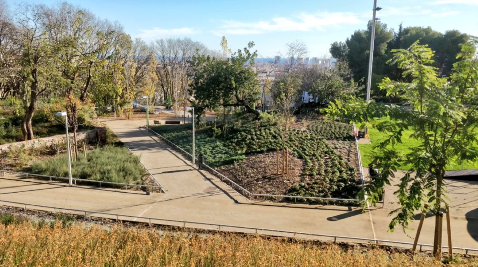 Se inauguran los jardines del Doctor Pla i Armengol, en Guinardó