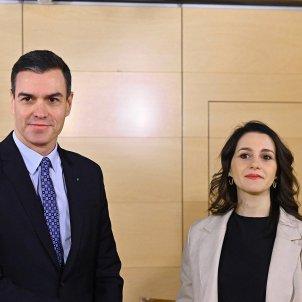 Pedro Sánchez Inés Arrimadas cares EFE