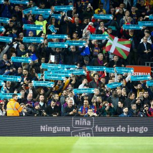 pancartes Tsunami Democratic Classic Camp Nou EFE