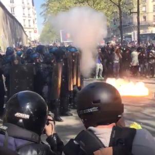 policia 1 de maig paris
