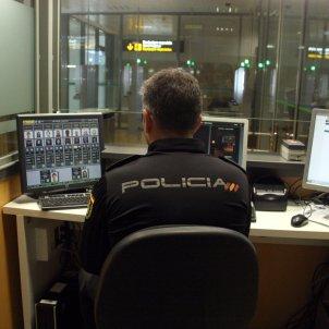 aeroport del prat policia nacional   ACN