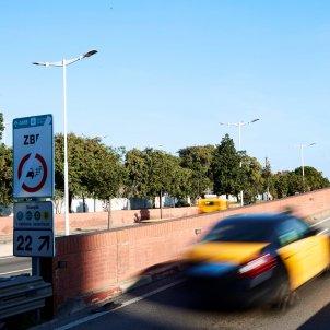 Barcelona contaminació zona baixes emissions EFE