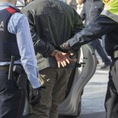 Detingut manilles policia mossos - Sergi Alcàzar