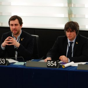 carles puigdemont toni comin parlament europeu - roberto lazaro