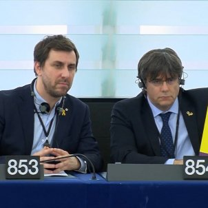 carles puigdemont toni comin parlament europeu protesta junqueras - captura