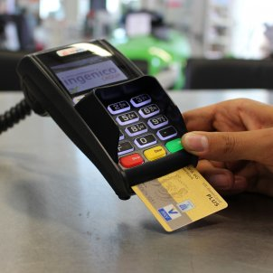 ec cash 1750490 1920 targeta visa mastercard credit pagar PIXABAY