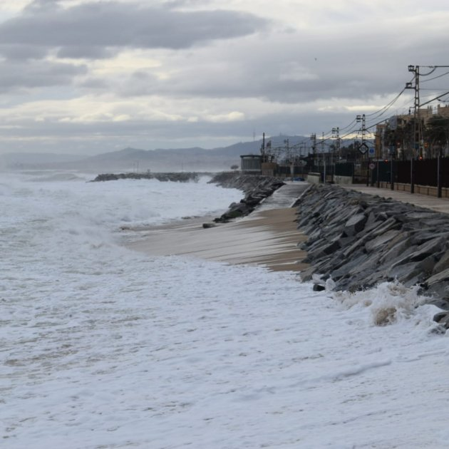 temporal pluges premia de mar - Roger Tamboleo