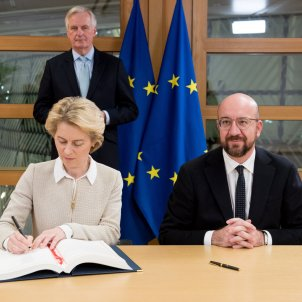 Signatura acord brexit von der leyen michel @eucomission