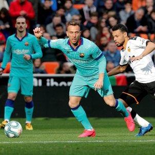 Arthur València Barça EFE