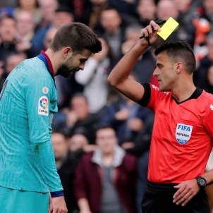 Pique groga Gil Manzano Barca Valencia EFE