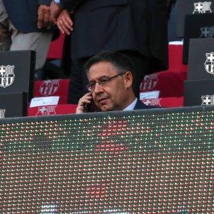 Josep Maria Bartomeu trucant telèfon mòbil EuropaPress