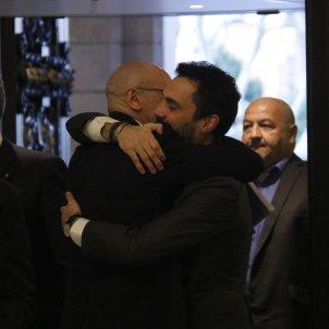 Abraçada Torrent i Romeva Parlament ACN